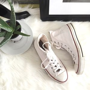 [Converse] Chuck Taylor white worn-in high tops